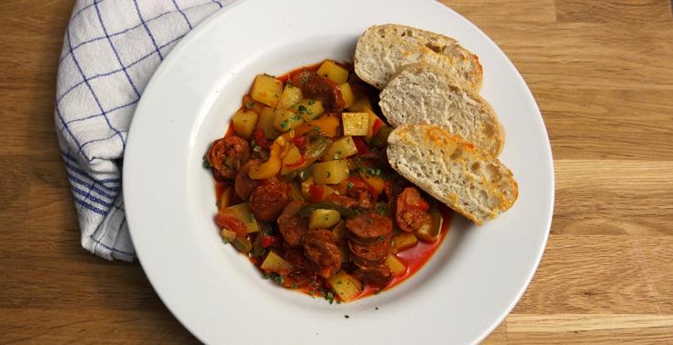 Feuriger Kartoffeleintopf mit Chorizo