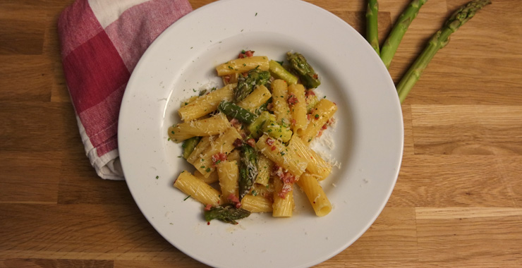 Frühlingsküche: Pasta mit Spargel-Carbonara