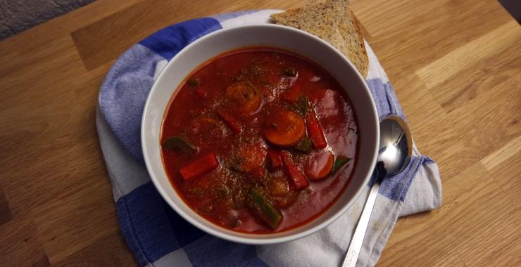 Currywurst ist King - schnelle Currywurstsuppe